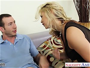 garrulous Sarah Vandella slips up and down his pink cigar