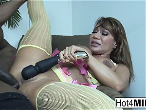 Ava Devine takes a bbc up her booty