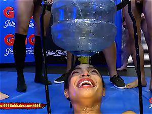 Luna Corazon In urinating Arena - 666Bukkake