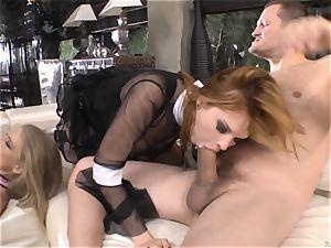 Cayenne Klein and Tarra white smashing a ebony rod