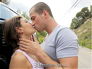 Julia Roca welcomes her boyfriend
