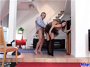 Glam eurobabe ass-fucked in classy three-way