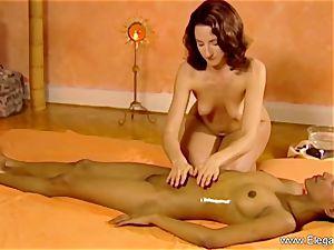 rubdown For ladies Is erotic