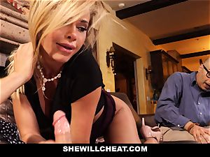 hotwife hubby witnesses Wifes coochie Get demolished