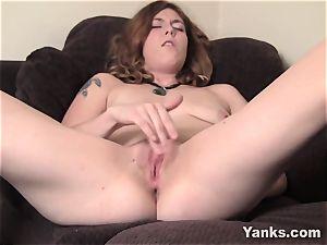 convulses cutie Teal enjoys Her nub