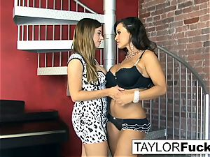 Taylor Vixen Gets wild With Lisa Ann