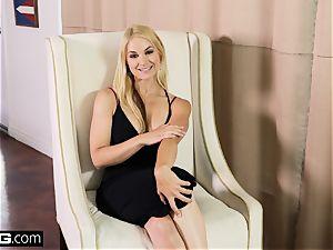 poke Confessions Sarah Vandella gets rectal