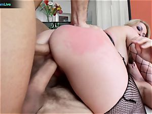bootylicious platinum-blonde Aline addicted to double intrusion