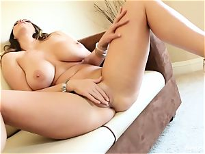 huge breasted hotty Alison Tyler plays with her slit