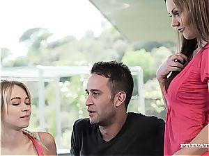 mummy Tina Kay Gets dp During bang-out with blonde...