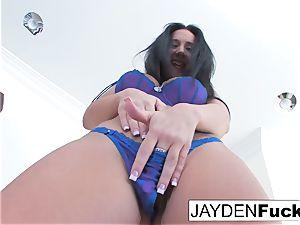 Jayden toys her labia on the sofa