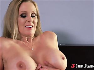 fuck-fest with huge-titted housewife Julia Ann and her stepdaughter