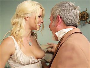 super-fucking-hot escort Anikka Albrite ravages her favourite mischievous west customer