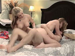 Sarah Vandella and Keira Nicole holiday fuckshare