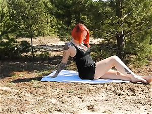 Outdoor Striptease Nina demon