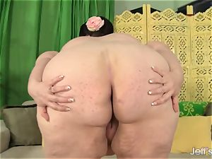 Mature plus-size kitten Nation jerks