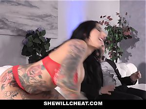 SheWillCheat - tramp wifey booty boinked by acquaintance