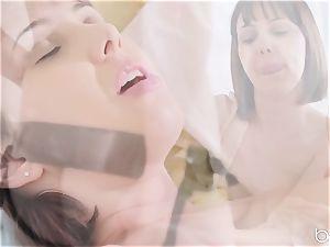 super-fucking-hot minge luving lezzies Jenna Sativa and Olive Glass
