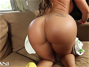 insane stunner undresses and plows her vulva with big black fuck stick