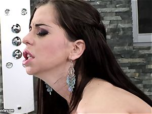 Larissa Dee is double dicked and bukkaked