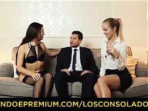 LOS CONSOLADORES - red-hot honies instruct hookup with executive