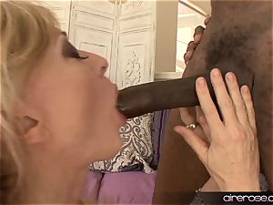 Airerose famous mummy Nina Hartley rides a big black cock