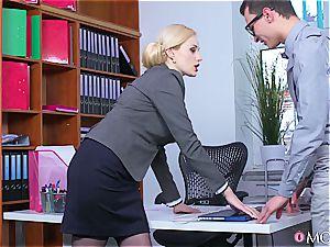 Boobylicious office enchantress got some jizz-shotgun installed in her vagina