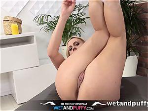 Wetandpuffy - milf grapples a monster faux-cock