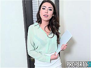PropertySex super-steamy Agent Melissa Moore fucks For Listing