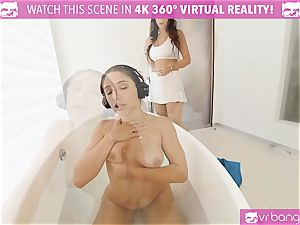 VR PORN-Outrages Step mom Syren tonguing Abellas muff
