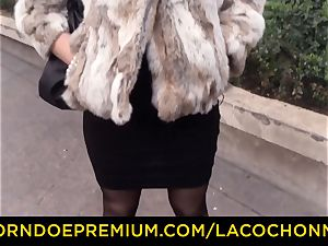 LA COCHONNE - French brown-haired stunner likes xxx rectal