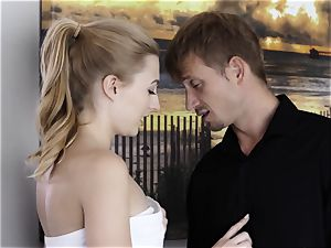 Whos pulverizing The babysitter Part 5 - Alexa grace